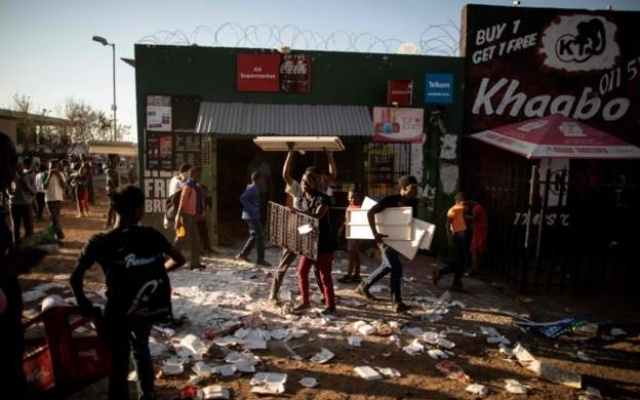 Photo of Foreigners Flee Deadly Attacks In South Africa