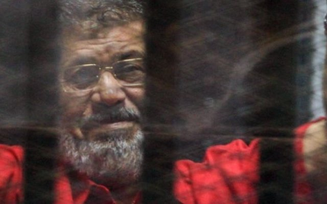 Photo of Egyptian Ex-Leader Morsi Buried After Court Death