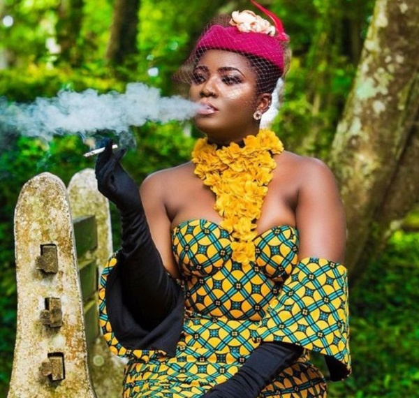 Photo of Ahuofe Patri Confirms She Smokes