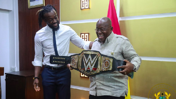Photo of My Mom Promoted Akufo-Addo's Campaign – WWE Star Kofi Kingston
