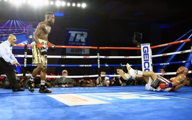 Photo of Richard Commey Tkos Ray Beltran To Retain IBF Lightweight Title