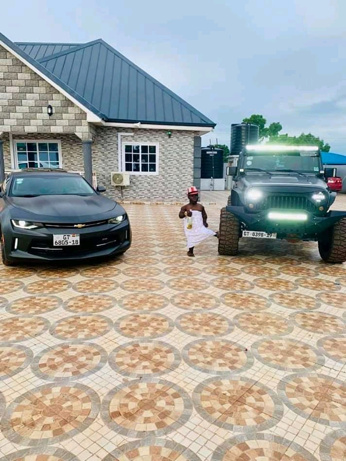 Photo of Nigerian Lady Threatens To Beat Shatta Bandle If He Mentions Dangote's name again