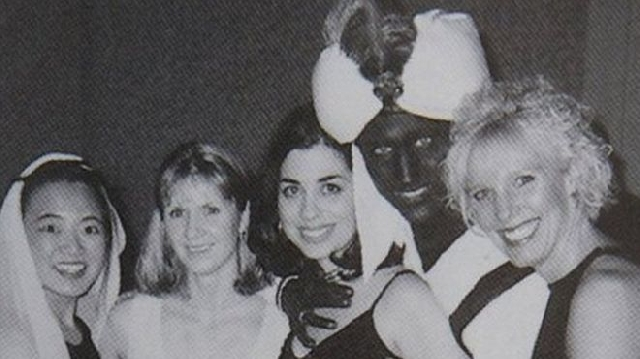 Photo of Justin Trudeau: Canada PM In 'Brownface' 2001 Yearbook Photo