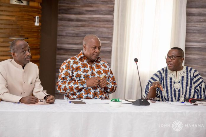 Photo of NPP Training Vigilantes At Asutuare For 2020 Polls – Mahama