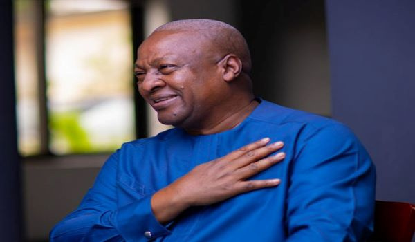 Photo of Social Media Hails Mahama For His Show Of Maturity In Asempa FM Blunder