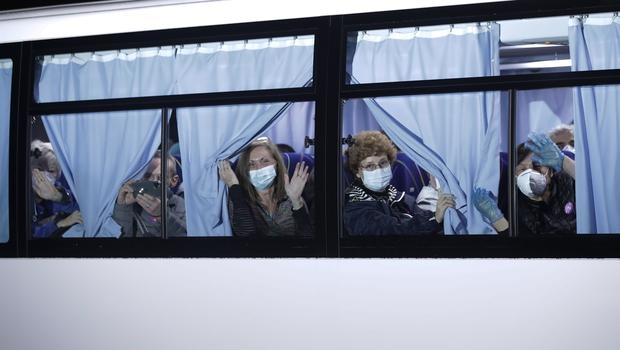 Photo of Coronavirus: Americans From Quarantined Cruise Ship Flown From Japan