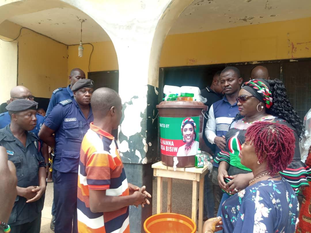 Photo of Hanna Bisiw donates to Tano South residents towards prevention of COVID-19