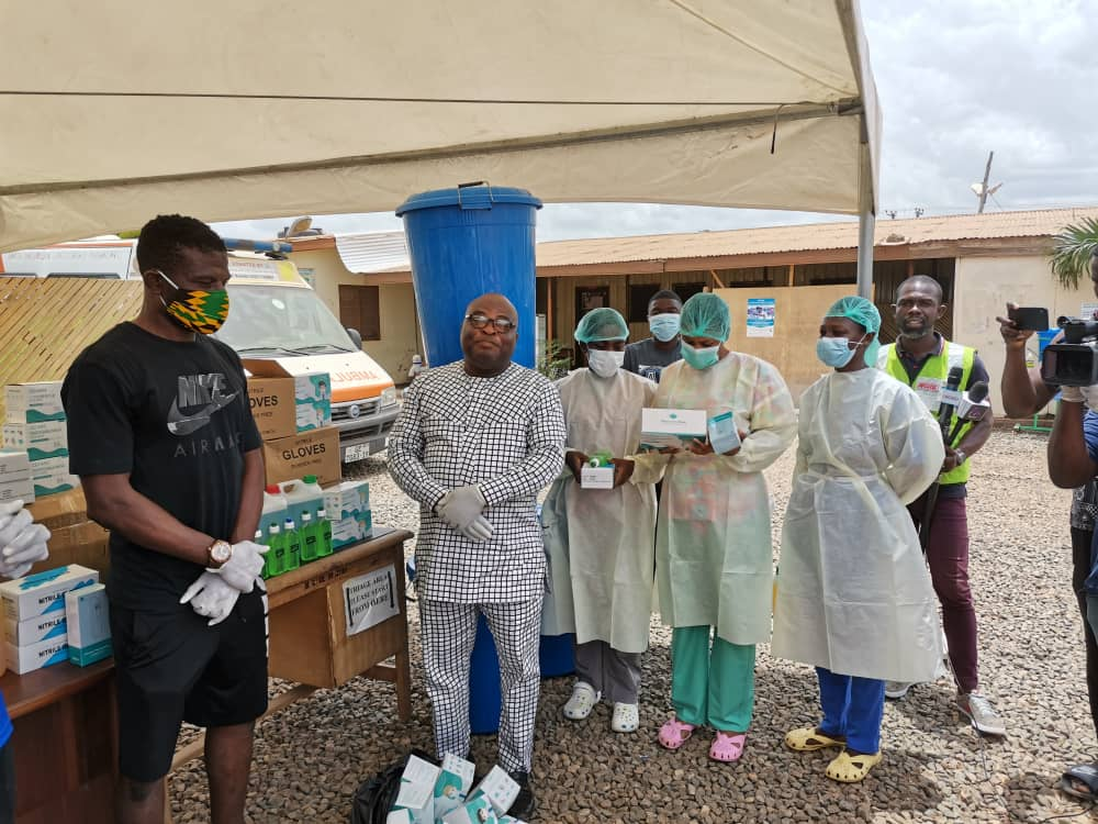 Photo of PFAG and GBSA Donate Essential Items To Madina Polyclinic In Accra
