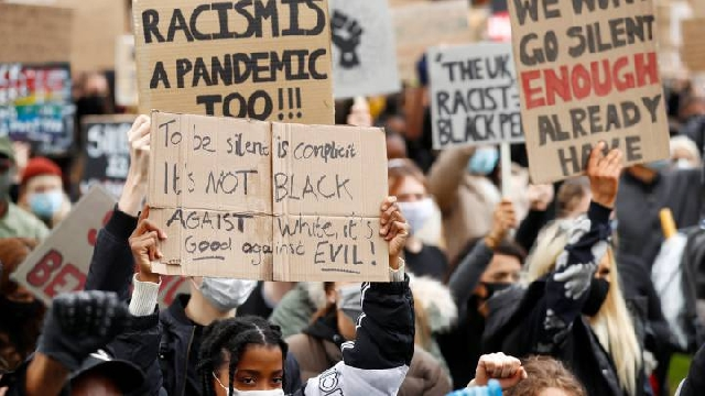 Photo of George Floyd death: Thousands turn out for UK anti-racism protests