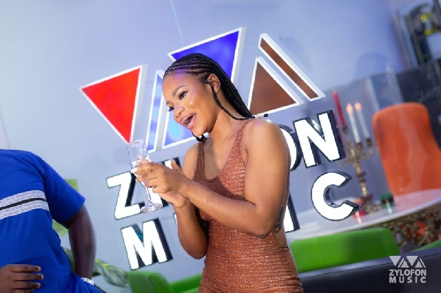 Photo of Zylofon Music Unveils, Signs New Artiste