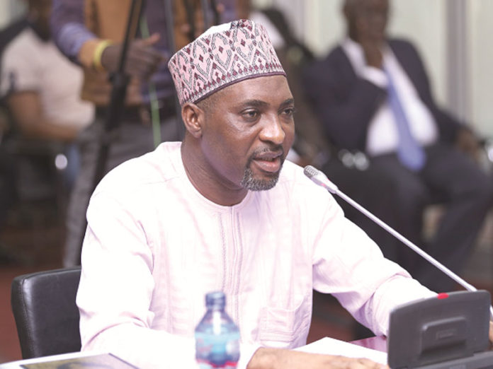 Photo of Muntaka Vows To Fight To Remove Underage Students From Voters Register – Muntaka