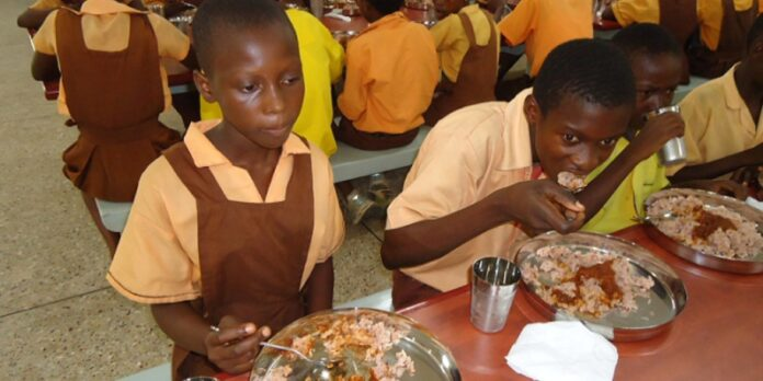 """Photo of Suhum: MCE, NPP Executives Clash Over """"Hot Meal """"For Students"""