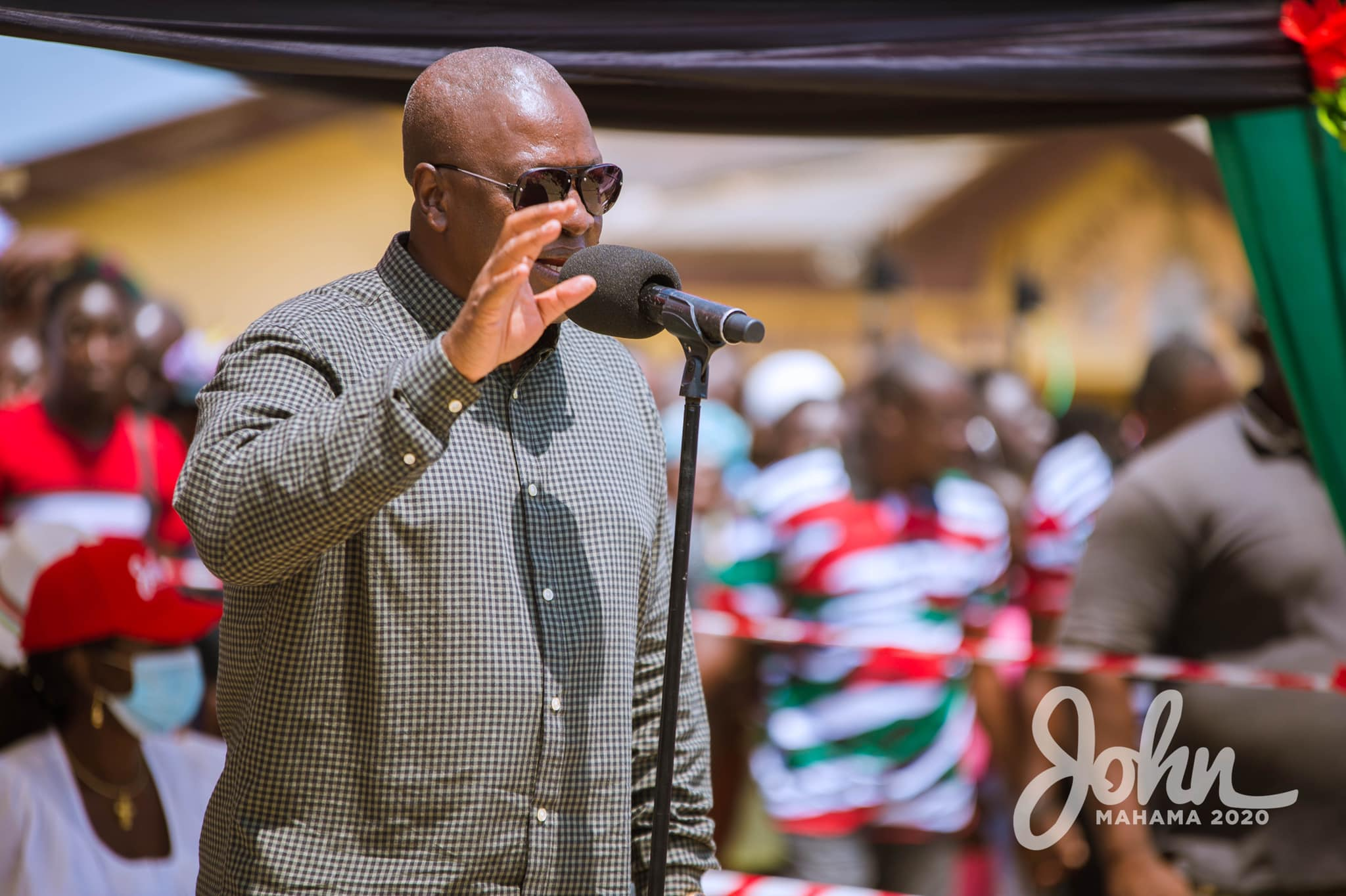 Photo of Mahama Promises To Revive Abandoned Cold Store Project At Nyanyano