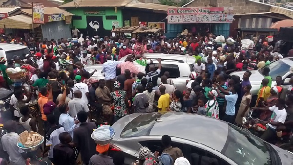 Photo of Krobos give Naana Jane rousing welcome as she begins Eastern Region tour